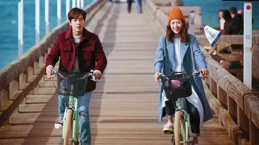 CNBLUE-Jung-Yong-Hwa-Lee-Yeon-Hee1.jpg